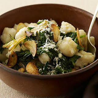 Less-Than-15-Minute Spinach and Gnocchi with Garlic Chips.