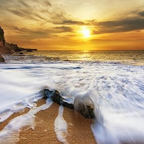 Stick Out by Hendri Suhandi - Landscapes Beaches ( bali, waves, sunset, beach )
