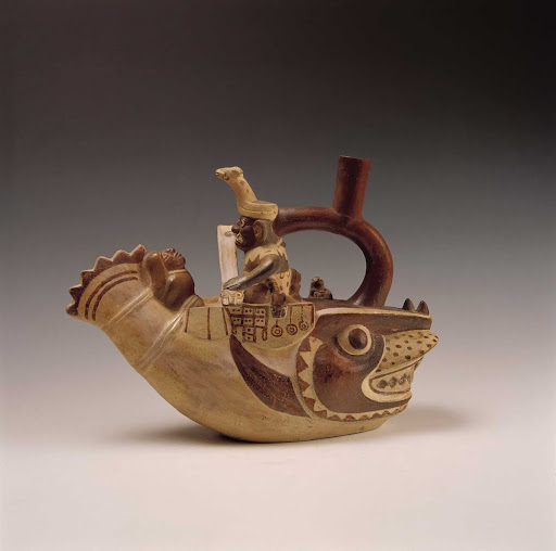 Sculptural ceramic ceremonial vessel that represents a mythological scene of navigation to the islands ML003202