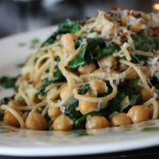 Pasta with Chickpeas and Spinach Recipe