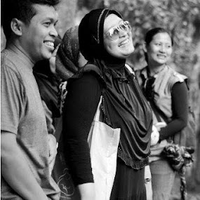 Smile.. by Dwi Ratna Miranti - People Street & Candids