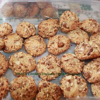 Almond Coconut Chip Cookie