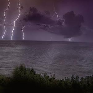 notte al mare con temporale.jpg