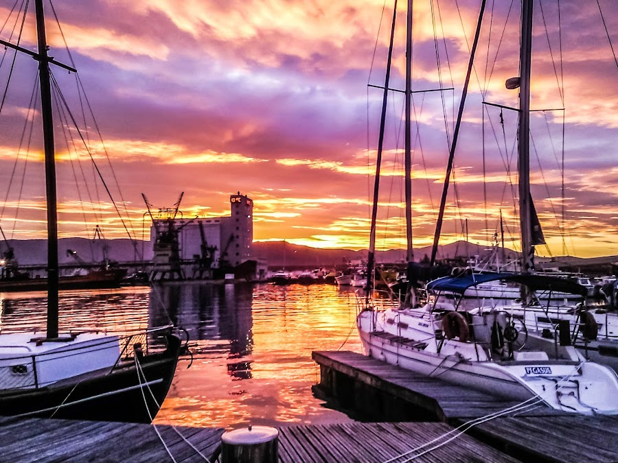 sunset in the port by Teodora Ivanova - Landscapes Sunsets & Sunrises ( sunset in the port )