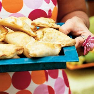 Empanadas de Cangrejo y Mango (Crab-and-Mango Empanadas)