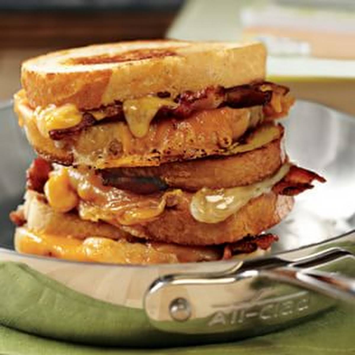 Bacon Grilled Cheese Sandwich