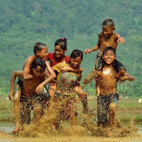 by Tamlikho Tam - Babies & Children Children Candids