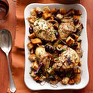 Chicken on Croutons with Olives and Onions