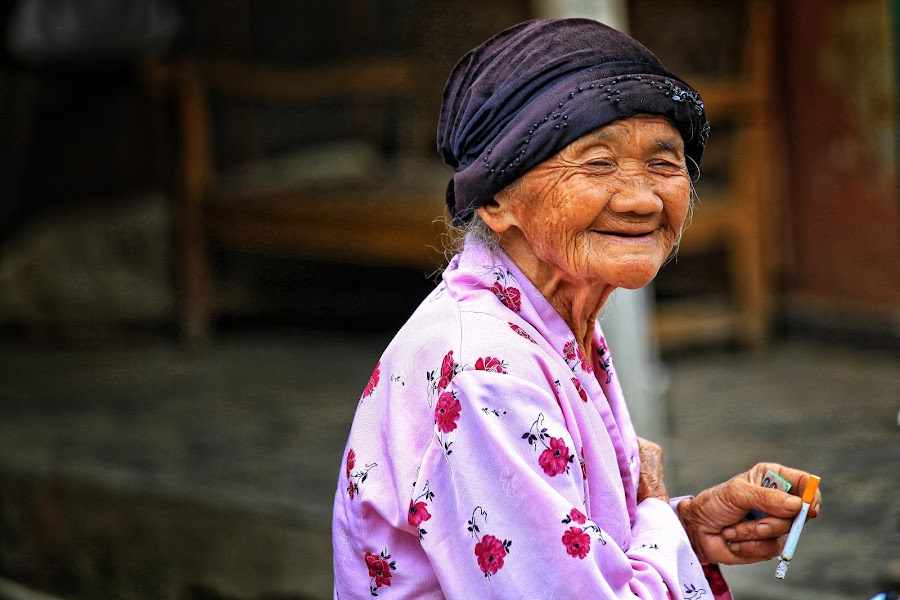 The Old Smoker by Syf Talkie - People Portraits of Women ( old )