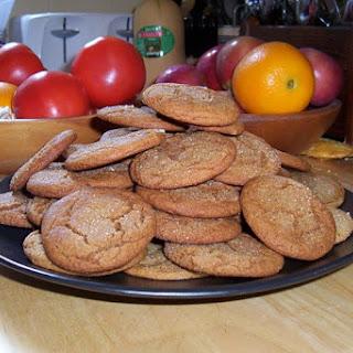 Crackle-Top Molasses Cookies