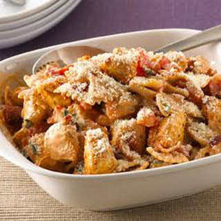 Creamy Chicken, Bacon and Tomato Pasta.