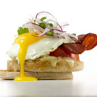 Bacon and Jalapeño Egg Sandwich