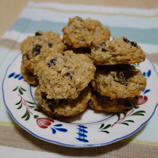CRANBERRY OATMEAL COOKIES WITH CHOCOLATE CHIPS