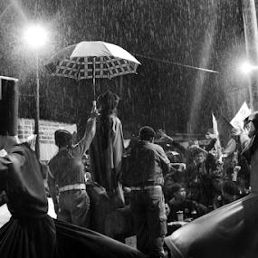 Prayer Inthe Rain by Axl Digital's - People Street & Candids