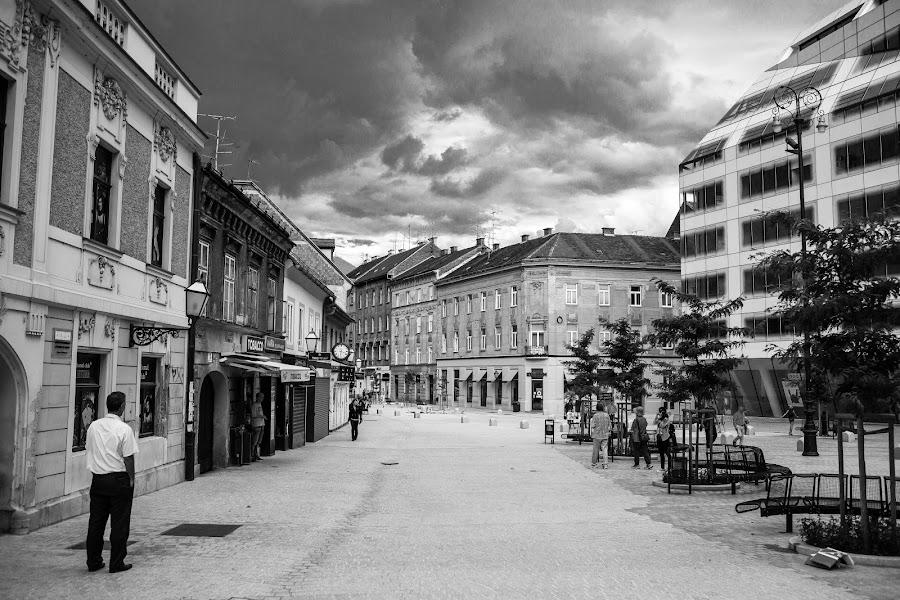 Zagreb by Matija Večenaj - Black & White Street & Candid