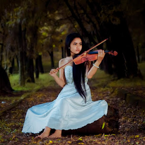 played violin in the forest by Andi Irawan - People Portraits of Women ( forest )