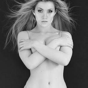 Scarlett by Alistair Cowin - Black & White Portraits & People