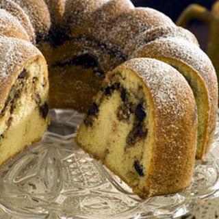 Streusel-filled Bundt Cake