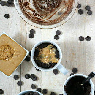 Chocolate Peanut Butter Mug Cakes