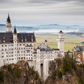 Neuschwanstein by Raffaello Terreni - Buildings & Architecture Public & Historical