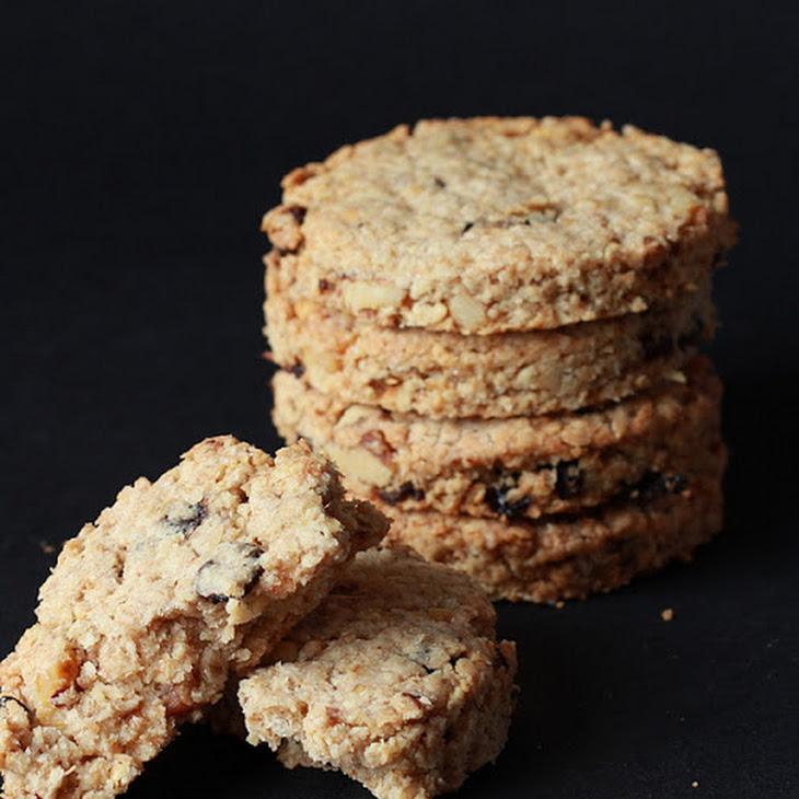 Raisin-Nut English Oatcakes Recipe