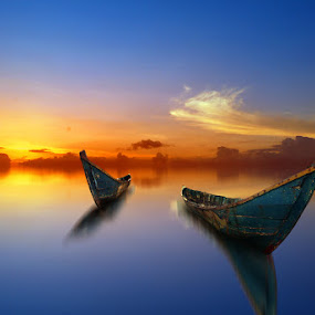 senja tiba by Indra Prihantoro - Transportation Boats ( sunset, boats, sunrise )