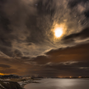 Bad Moon Falling by Sigurður Brynjarsson - Landscapes Weather ( water, calm, moon, mountain, star, pollution, lake, bad, rising, sky, cold, reykjavik, ice, snow, cloud, night, light, borgarnes )