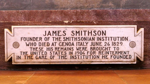 Plaque at the foot of Smithson's Monument