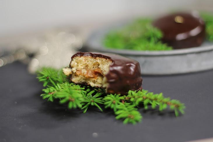 Alfajores (Dulce De Leche Sandwich Cookies) Recipe