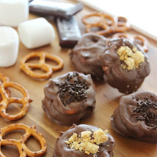 Quick & Easy Chocolate Covered S'mores Pretzels.