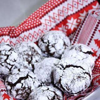 Healthy Chocolate Crinkle Cookies.