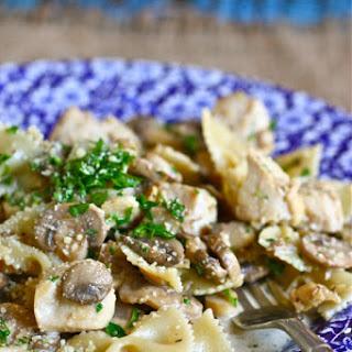 Creamy Chicken and Mushroom Pasta Skillet