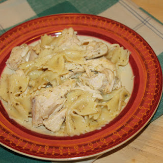 Slow Cooker Chicken Pesto With Bowtie Pasta
