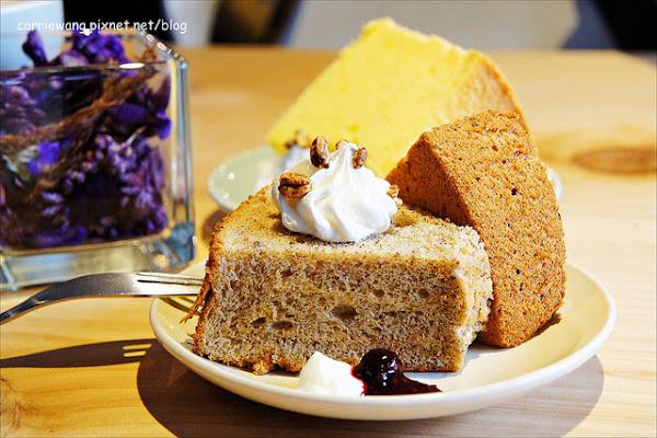 【台中下午茶】緩日子 Café.Un jour libre。精明商圈小巧咖啡館,輕鬆悠閒的環境,戚風蛋糕清爽好吃