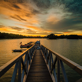 Follow The Light  by Najmi Rooslan - Landscapes Sunsets & Sunrises ( gnd, putrajaya, malaysia, landscape, kl, kuala lumpur, lee, uwa, nd, selangor, wetland, sunset, d7000, nikon, tokina )