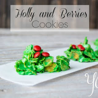 Holly and Berries Wreath Cookies.