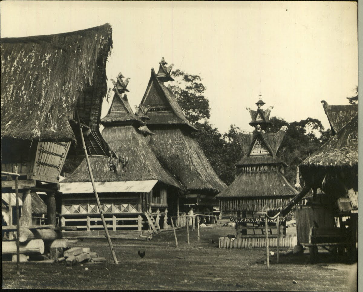Dutch East Indies Sumatra Kara Batak