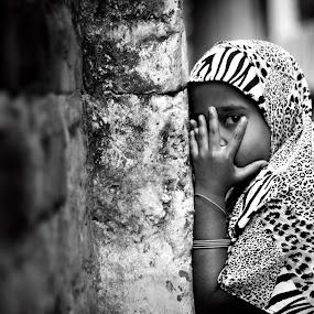 Hide and Seek.............. by Vivek Inspires - Babies & Children Children Candids ( street, candid, baby )
