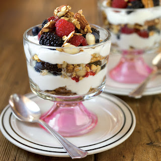 Nutty, Fruity Yogurt Parfaits