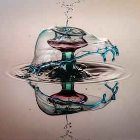 3 colour drop splash  by Duy Tang - Abstract Water Drops & Splashes ( water, reflection, liquid, splash, drop )