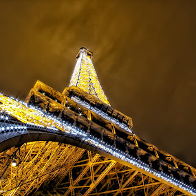 by Wira Suryawan - Buildings & Architecture Public & Historical ( mood factory, amazing, paris, nighshot, cityscape, colourful, colorful )