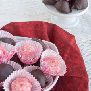 Sugar Free No Bake Raspberry Cheesecake Truffles