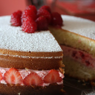 How to Make Strawberry Mousse Cake