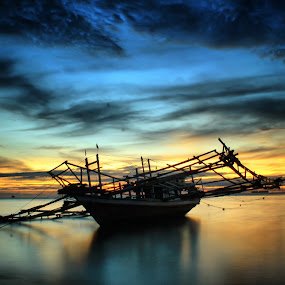 alone tongkang by Fajar Vandra - Landscapes Sunsets & Sunrises