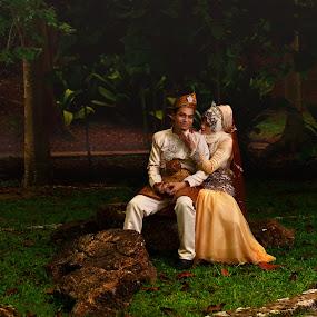 romantic nature by Sarol Glider - Wedding Bride & Groom