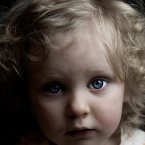 by Tracey Dobbs - Babies & Children Child Portraits