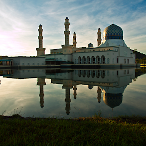 Good Morning by Mohd Shahrizan Taib - Buildings & Architecture Places of Worship ( kota kinabalu, likas, mosque, outdoor, malaysia, sabah )