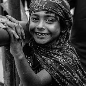 কৃষনকলির হাসি by Shovon Habib - Babies & Children Child Portraits